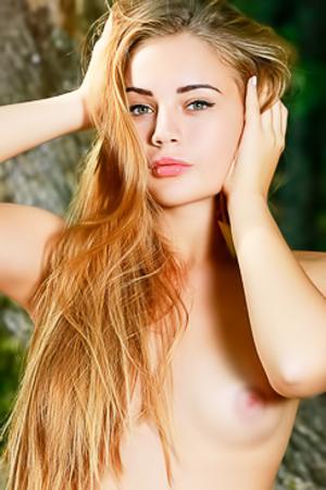 Nackt  Emily Shedler Emily Browning