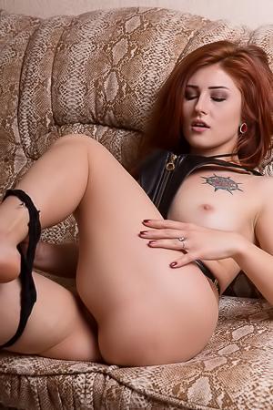 Ali Chanel  nackt