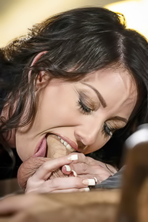 Hot Milf Jennifer White Throating Hard This Cock